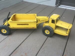 Vintage-Nylint-Yellow-Pressed-Steel-Tournahopper-Belly-Dump-Construction-Tractor