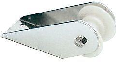 MUSONE-DI-PRUA-IN-ACCIAIO-INOX-mm-155-per-scorrimento-catena-ancora