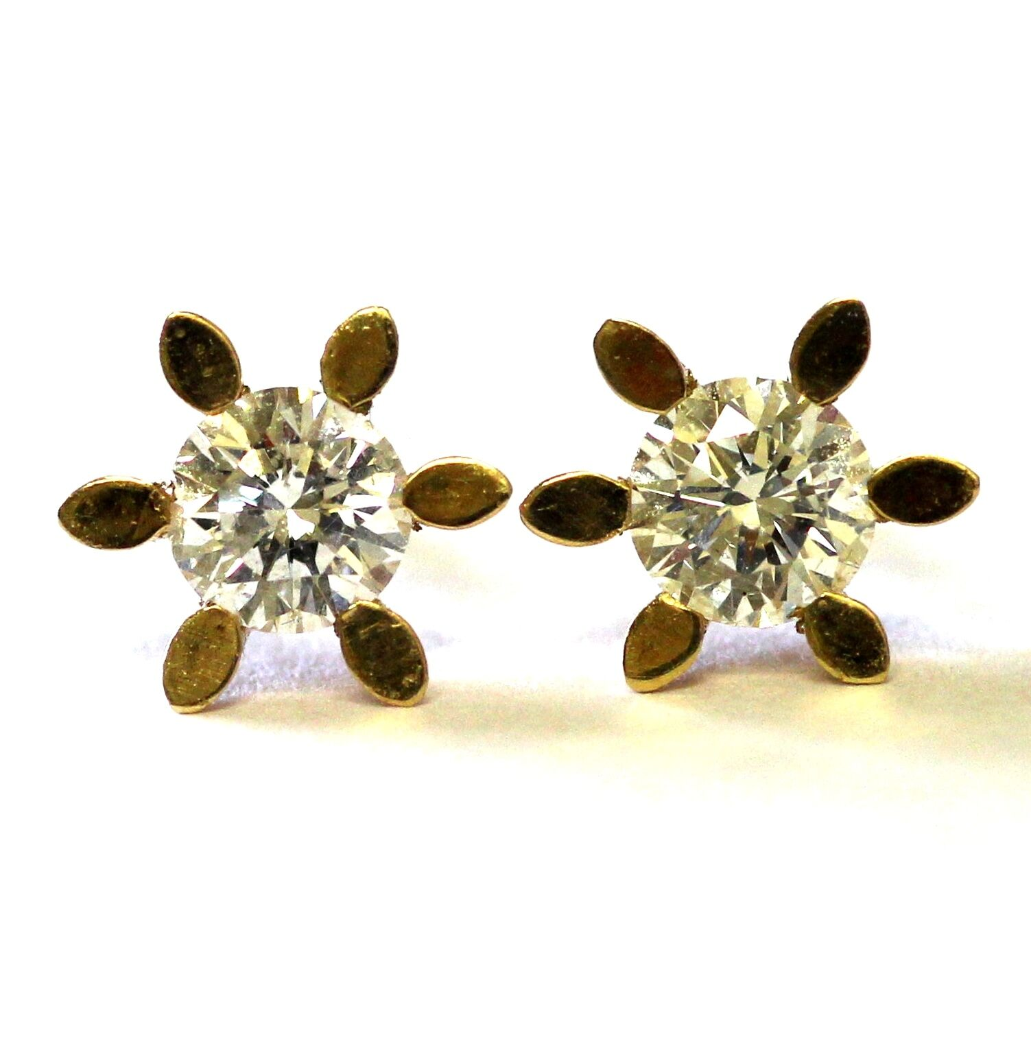 New 14k yellow gold .83ct SI2 G round clarity enhanced diamond stud earrings