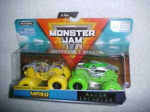 MONSTER-JAM-034-MAX-D-amp-ALIEN-INVASION-034-SHOWDOWN-VHTF-NEW-SPIN-MASTER-4X4-TRUCKS