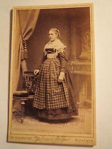 Muenchen-Justine-Filser-als-junge-Frau-Maedchen-Portrait-CDV