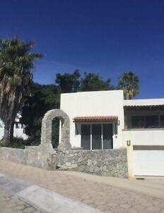 En Renta Estudio amueblado en Cabo San Lucas en en exclusivo SANTA CARMELA $1,100 Dlls.