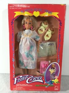 RARE-Fashion-Corner-Expectant-Mommy-Barbie-Clone-Fashion-Doll-Twins-In-Box
