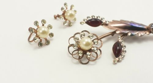 Gorgeous vintage pin and earring set crystal rhinestones and faux pearls copper with red cabochon