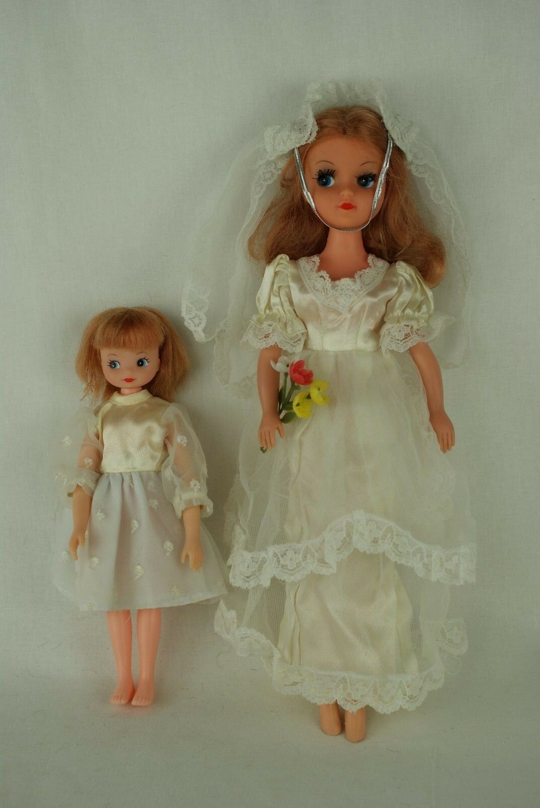 Otto Simon FLEUR blonde doll in BRIDES HAPPINESS outfit  1045 Dutch Sindy 80's
