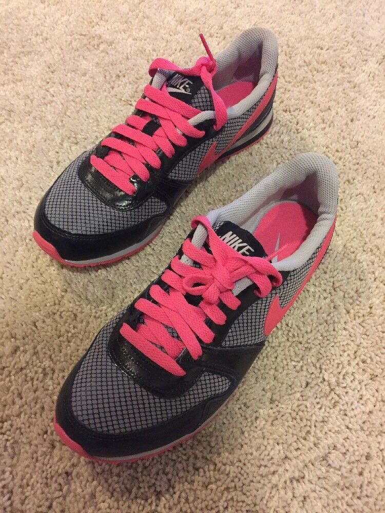 NIKE Eclipse II Women's Size 7 Athletic Shoes