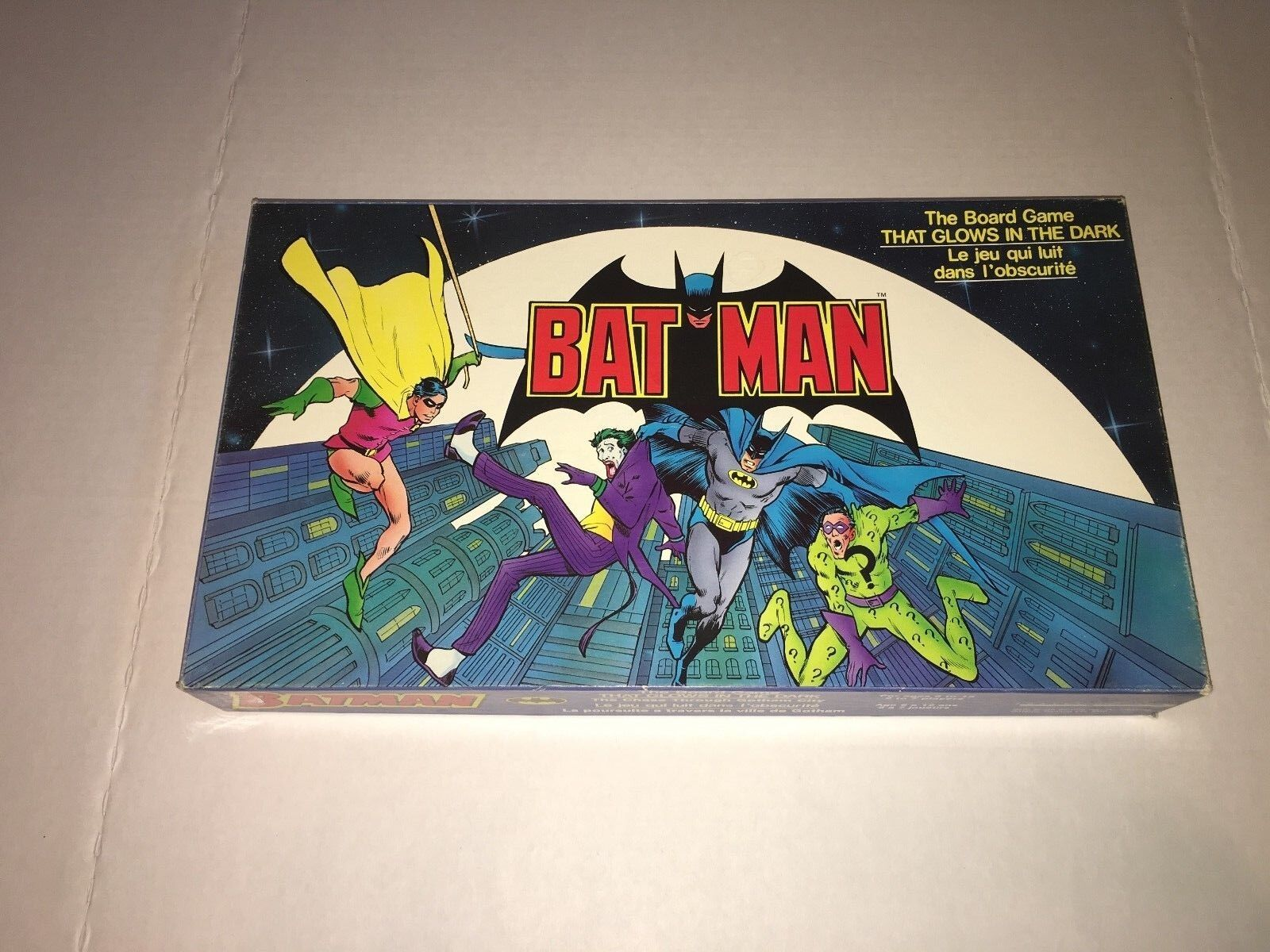 RARE Vintage 1988 BATMAN Boardgame THAT GLOWS IN THE DARK 100% COMPLETE GREAT