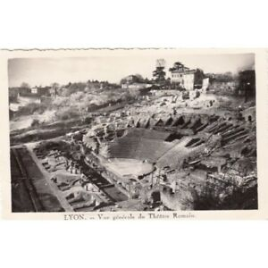 Cartes-postale-anciennes-LYON-vue-generale-du-theatre-romain-ecrite