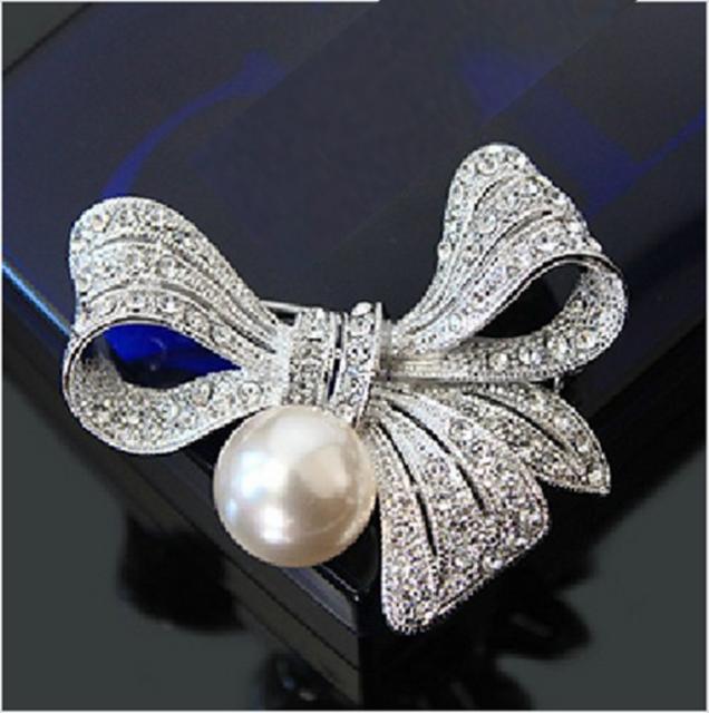 2-Inch Silver Planted Clear CZ Rhinestone Diamante Crystal Bow Brooch with Pearl