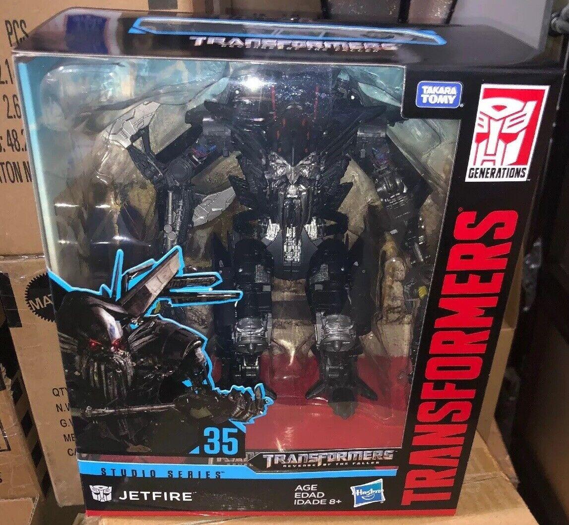 La serie de estudios Transformers 35, líder del ejército.