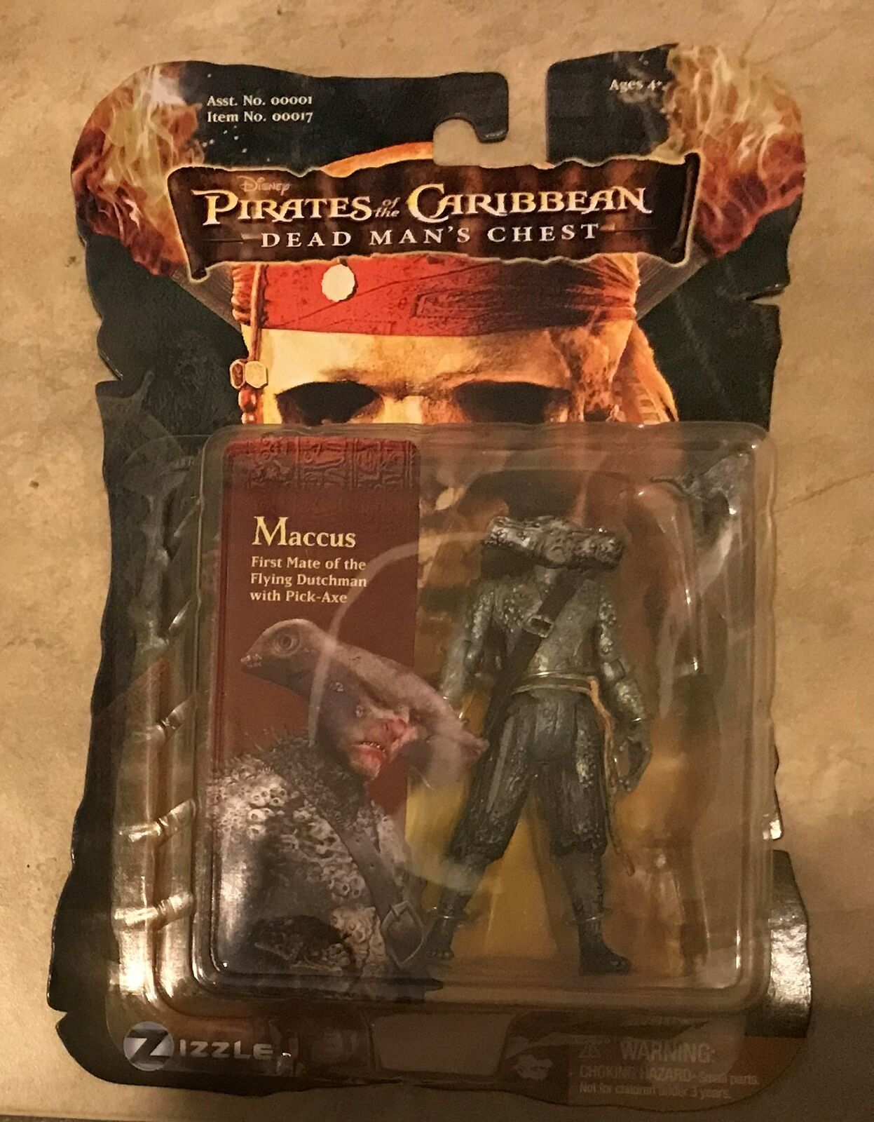 Pirates Of Caribbean Dead Mans Chest  Maccus Flying Flying Flying Dutchman Figure NEW sealed 05cf04