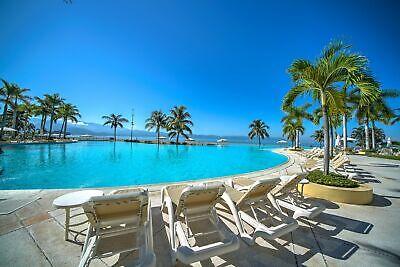 Villa de 2 niveles frente al mar y alberca en Bay View Grand Marina Vallarta