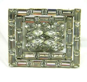 Vintage-3D-Clear-Crystal-Rhinestone-Brooch-Mid-Century-Statement-Pin-Estate