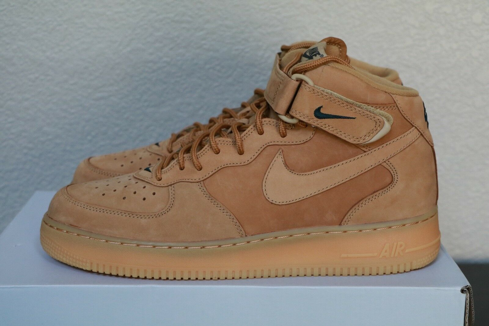 Air Force 1 Mid Wheat Men's Sz 11