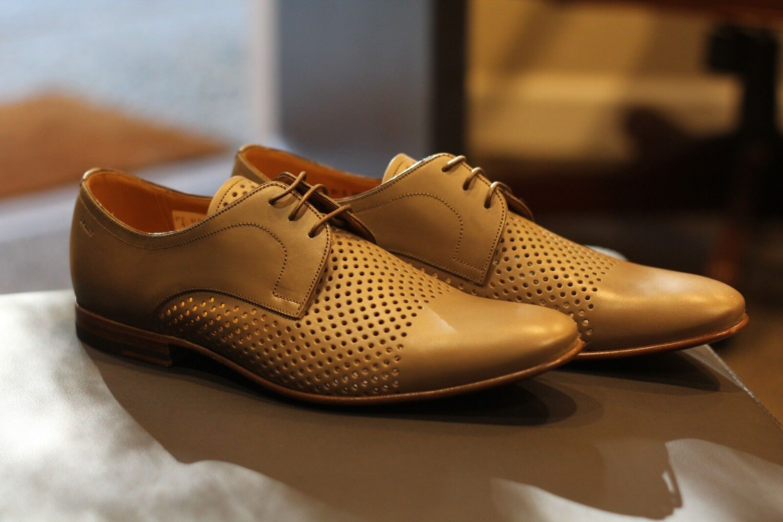 Bally Bellman Fawn Calf Perforated Leather Derby scarpe Swiss Rare New Sz 8.5 D
