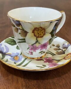 Vintage Duchess Porcelain England Beatiful Floral Cup & Saucer Pristine PreOwned