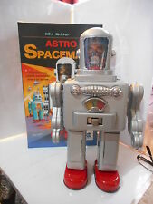 tole tin toy action robot homme de  l'espace spaceman