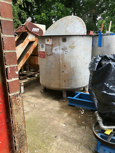 Stainless Steel Tank by Cole Approx. 880 Gallons with Mixer,Motor,Gear Box Used