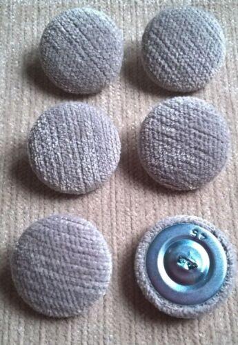 Chenille Velours 45L//28mm Mist recouvert de tissu boutons recouverts Gris clair