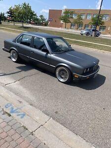 1985  318i bmw e30