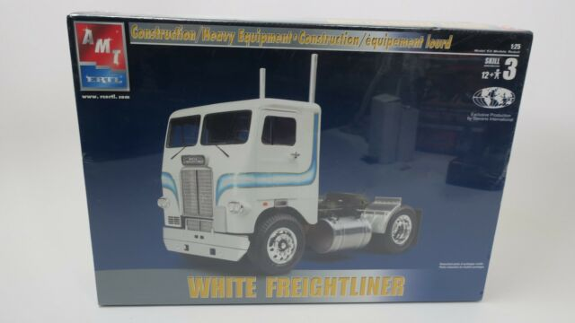 AMT 1/25 White Freightliner Tractor Semi Truck Model Kit Trailer ERTL 38340