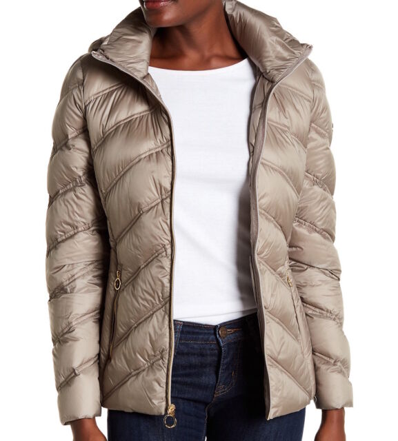 dbe31589e MICHAEL Michael Kors Womens Packable Quilted Chevron Puffer Down Jacket  Taupe
