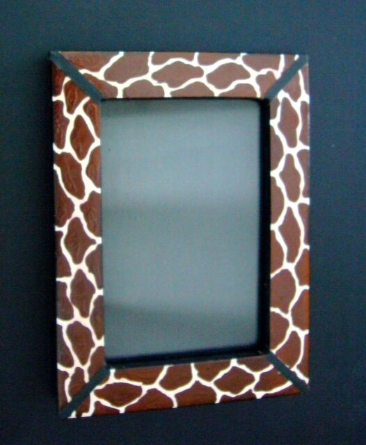 African Ethnic Animal Wood Photo Frame Gift - Giraffe Zebra Masai Gecko Design