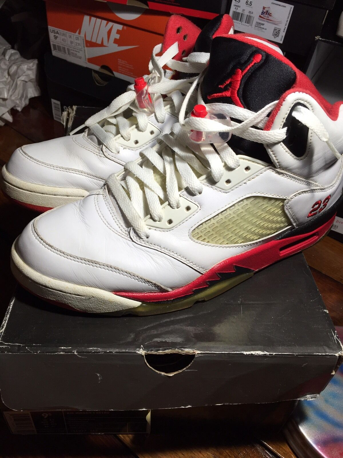2be7f40cc0c508 136027-162 Nike Nike Nike Air Jordan Fire Red 5 Retro 2006 White Blk V Sz  9.5 Top 3 Bred 1 28e49f