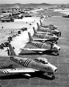 New-8x10-Korean-War-Conflict-Photo-F-86-Airplanes-Readied-for-Combat-1951