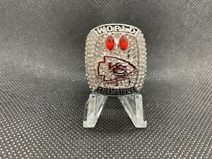 NFL Siskiyou Sports Womens Kansas City Chiefs Crystal Bead Bracelet One Size Team Color