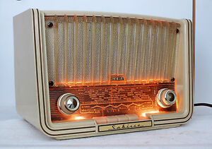 Saba-Sabine-Bakelit-Roehrenradio-von-1956-Technisch-Restauriert