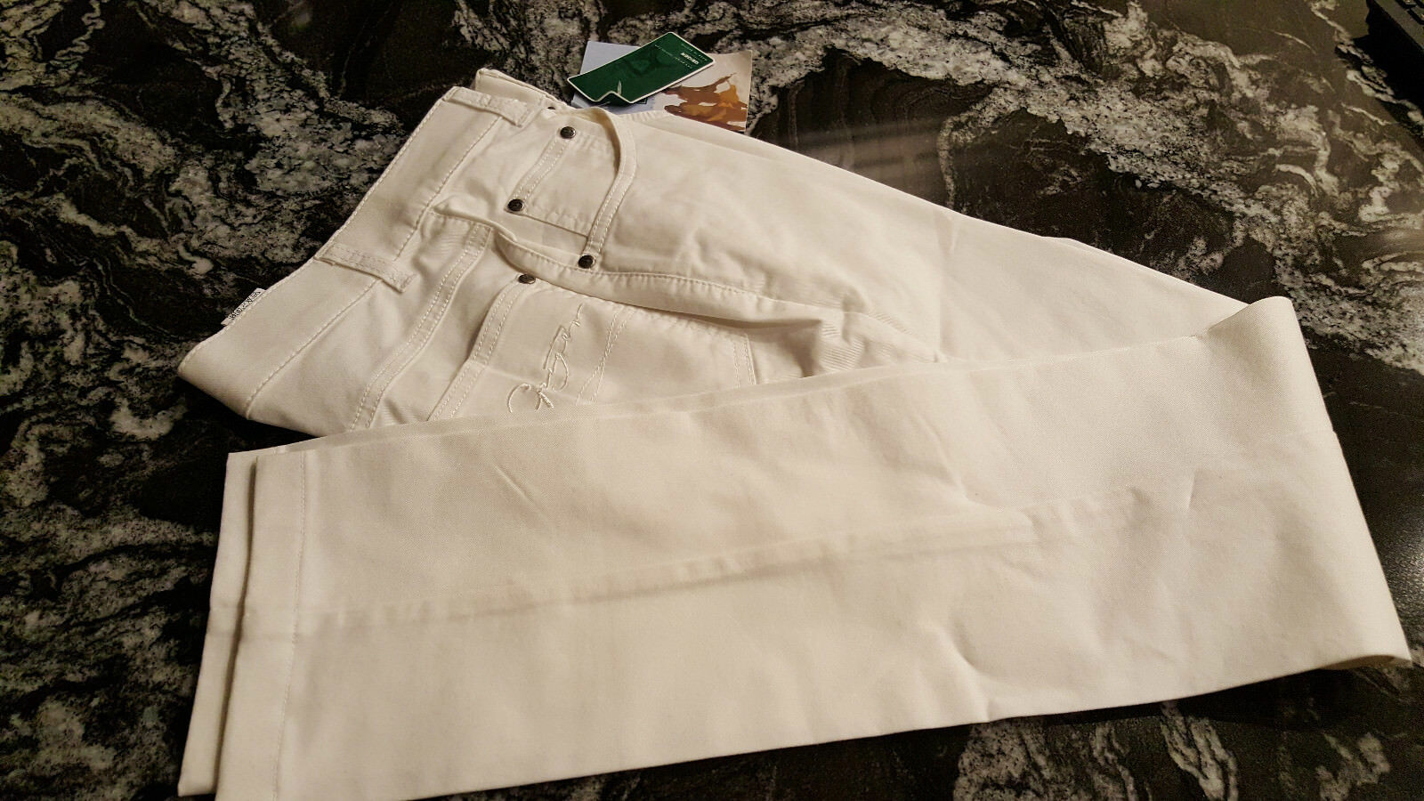 Geiger kvinnor Denis Jeans Straight Leg vit Färg Thin Storlek 36 US 4 NWT  199