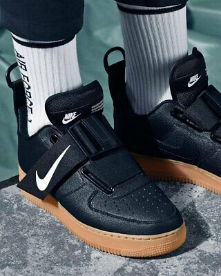 NIKE AIR FORCE 1 UTILITY SIZE 7 / 7.5