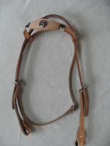 NEW NATURAL FULL SIZE WESTERN HEADSTALL / BRIDLE WITH RAWHIDE LACING & CONCHO