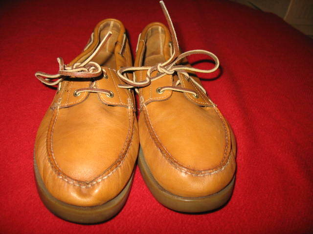 BASS MEN'S 2-EYE BAT SHOES, SEAFARER, SIZE  11 WIDE, COLOR  TAN, USED, VALUE  12