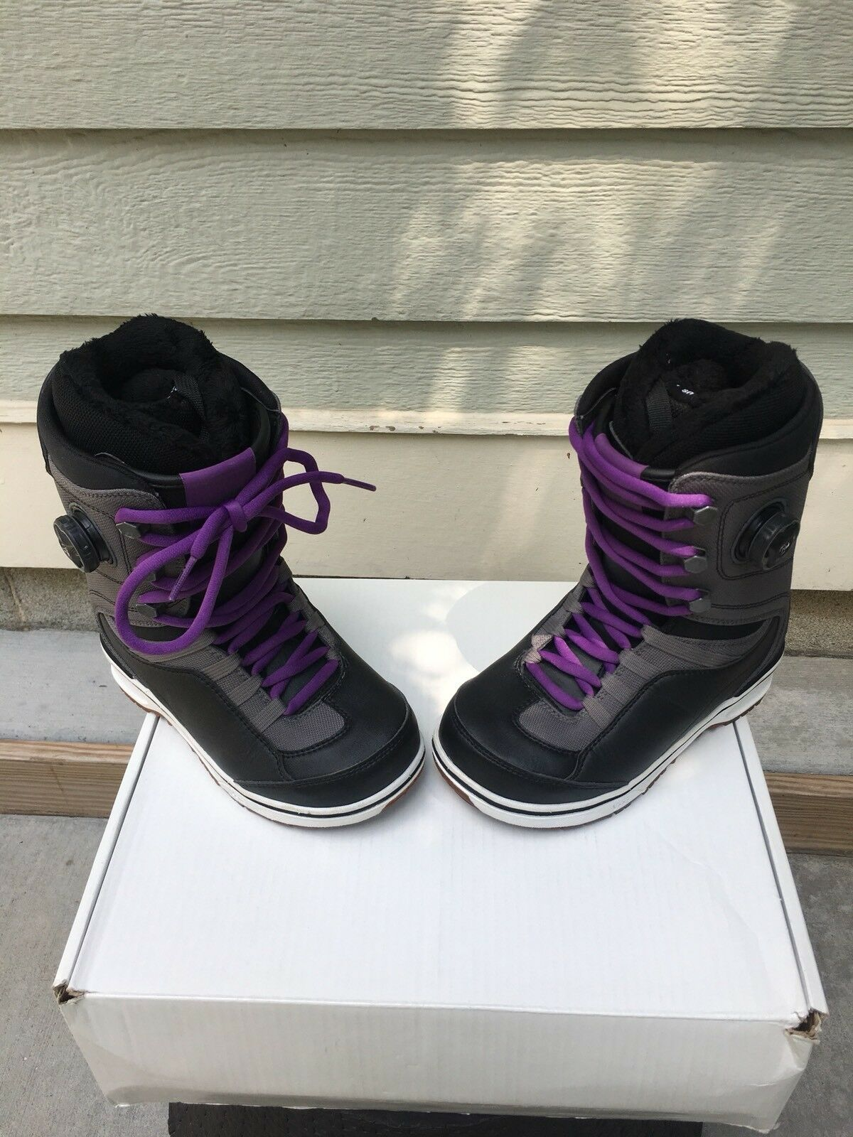Vans Ferra Women's  Size 7 Boa Snowboard Boots   NEW  clearance up to 70%