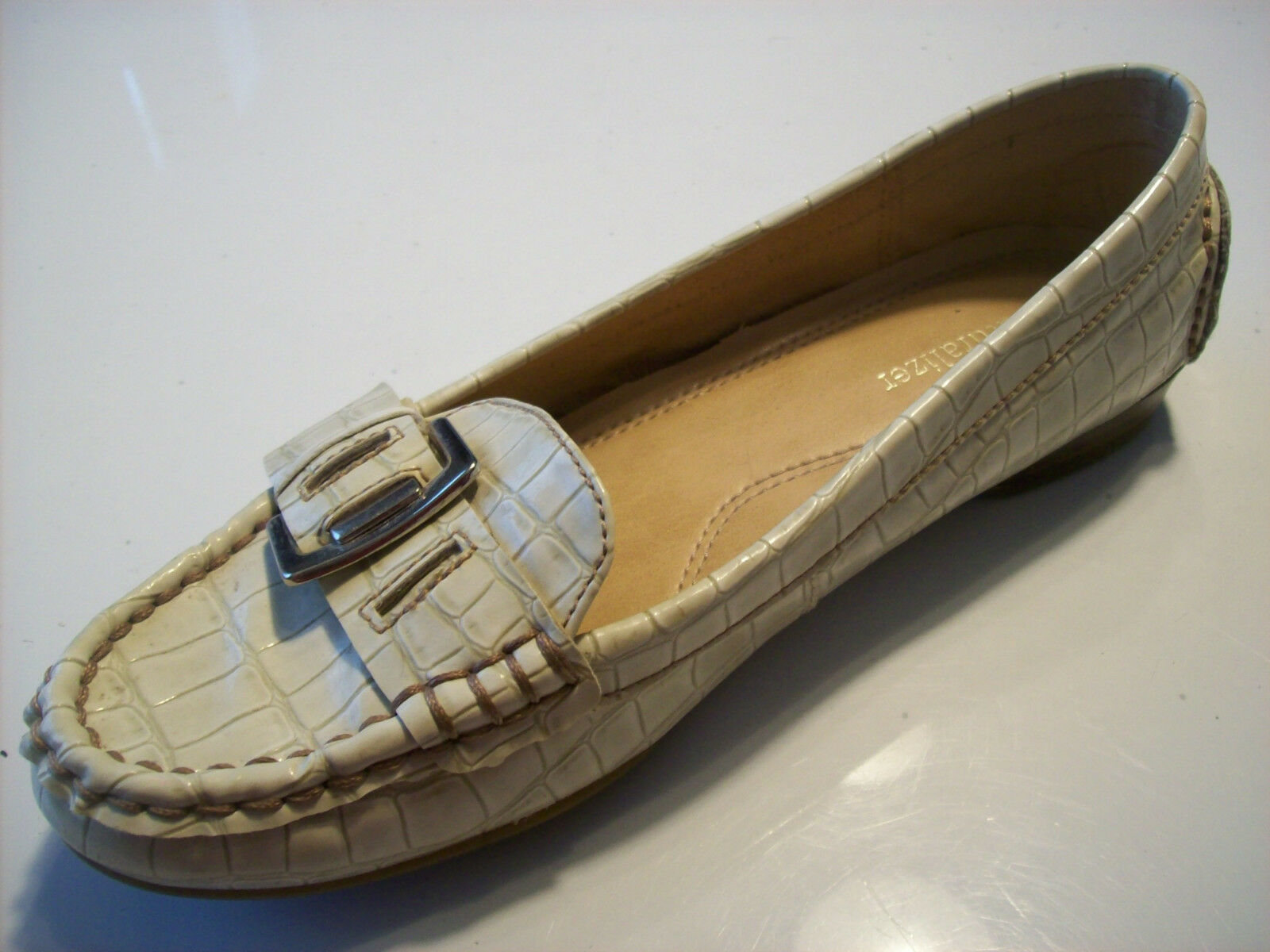 Naturalizer Heaven Ivory Shoes Tan Patent Leather Buckled Flats Loafers Shoes Ivory Size 6.5 1e8ace