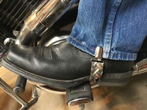 MOTORCYCLE RIDER PANT CLIPS BUNGEE CLAMPS....DIAMOND PLATE STIRRUPS 4 BIKERS .
