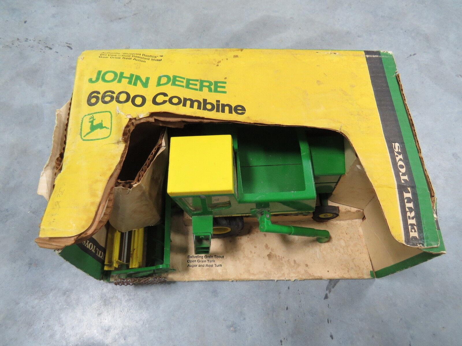 Vintage John Deere Chain Drive Metal Reel 6600 Combine New in Box RARE  Ertl