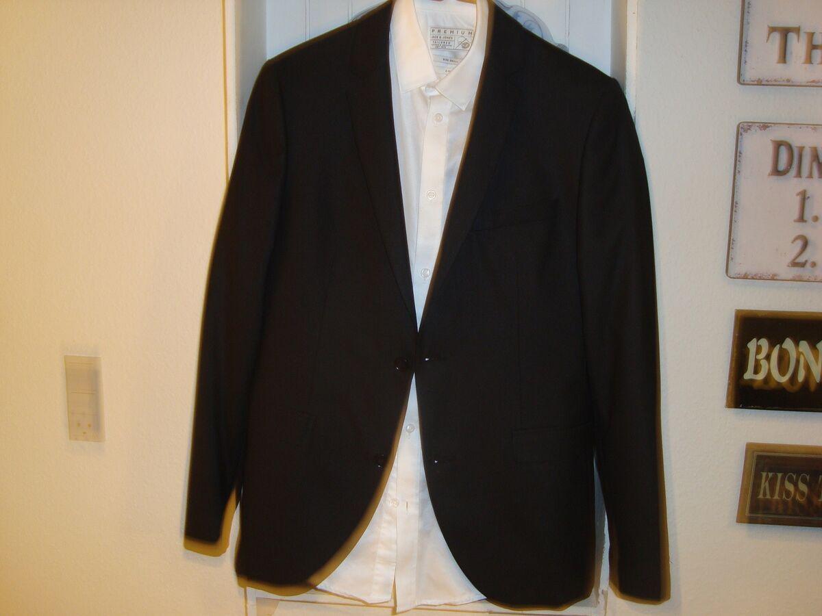 0b1690076630 sort jakkesæt
