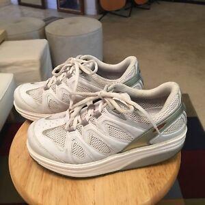 e14b02b25bae MBT The Anti Shoe Art. 400167-16 Women s 8.5 White Leather Walking ...
