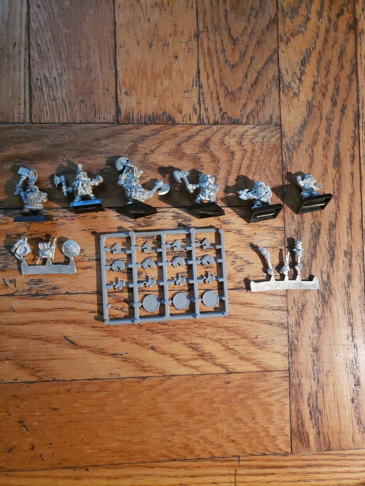 Games Workshop Miniatures  Lot de 6  nous offrons diverses marques célèbres