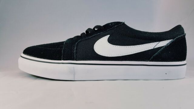 Nike Satire II GS Skate Shoes Boys 6.5y Black Suede Canvas 729811 ... a809fc884347b