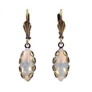 SoHo-Ohrhaenger-vintage-bohemia-navette-white-opal-boehmische-Glassteine-Ohrringe