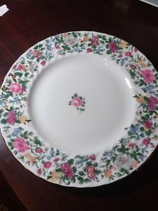 Crown-Staffordshire-English-Bone-China-1-Dinner-Plate-10-3-4-034-Floral-Design