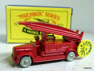 Matchbox-Moko-Lesley-Reproduction-small-scale-No-9-1948-Dennis-F2-Fire-Engine
