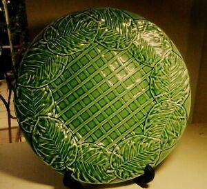 Bordallo-Pinheiro-Leaf-Service-Green-13-034-Chop-Plate-Platter-Made-in-Portugal