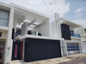 Casa en venta totalmente amueblada Fraccionamiento costa de oro