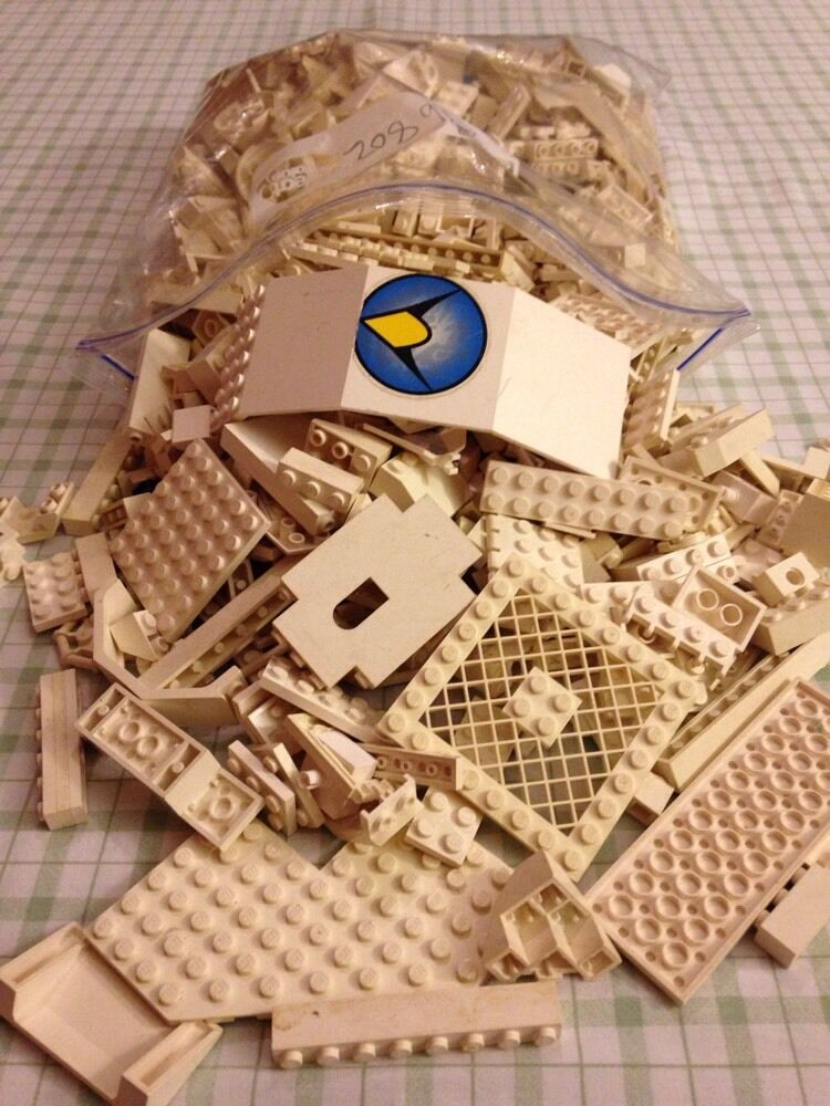 2.5 lbs Random White Lego Lot,  Free Shipping.
