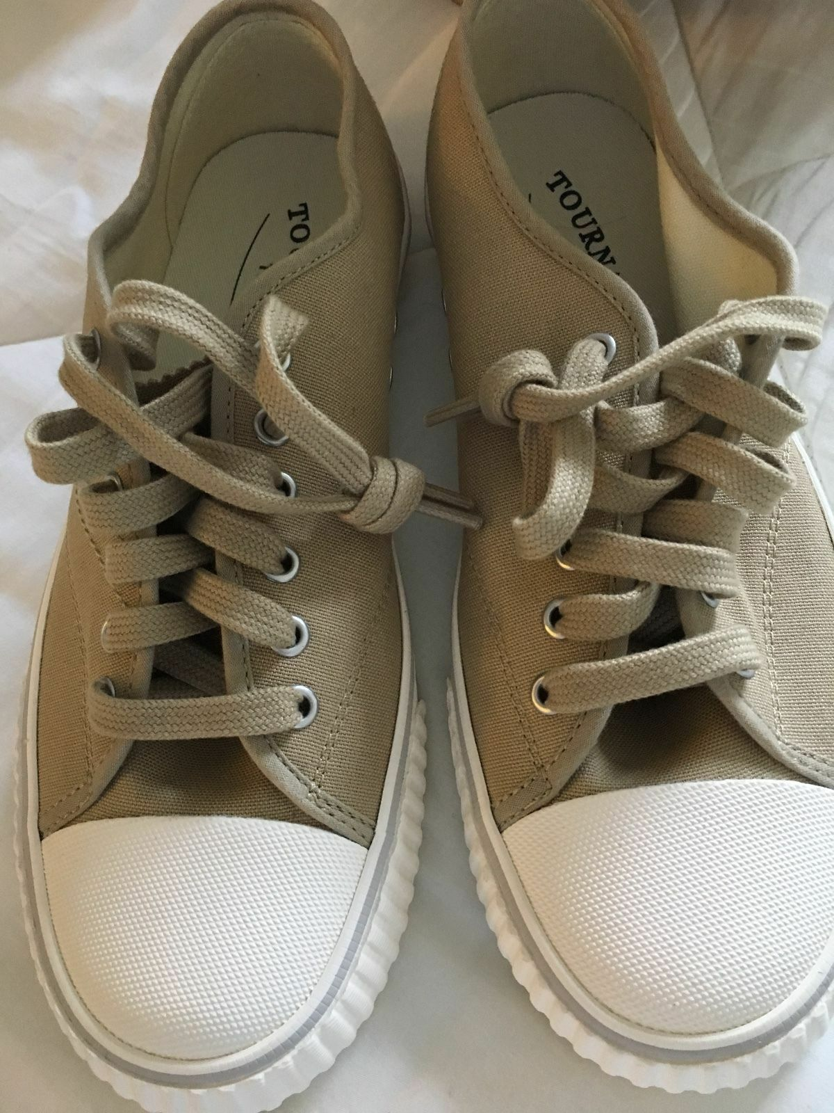 Tretorn womens  oxford tan sneakers size 7 New with box